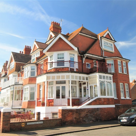 9 Bedroom Seafront Guest House with Self Contained Owner's Accommodation & Parking