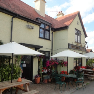 Freehold Pub & Restaurant in village close to Chelmsford