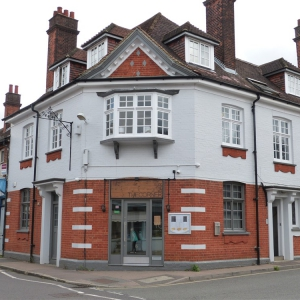 Former Wine/Cocktail Bar & Private Function Venue – suitable for variety of uses & cuisines in Ingatestone, Essex