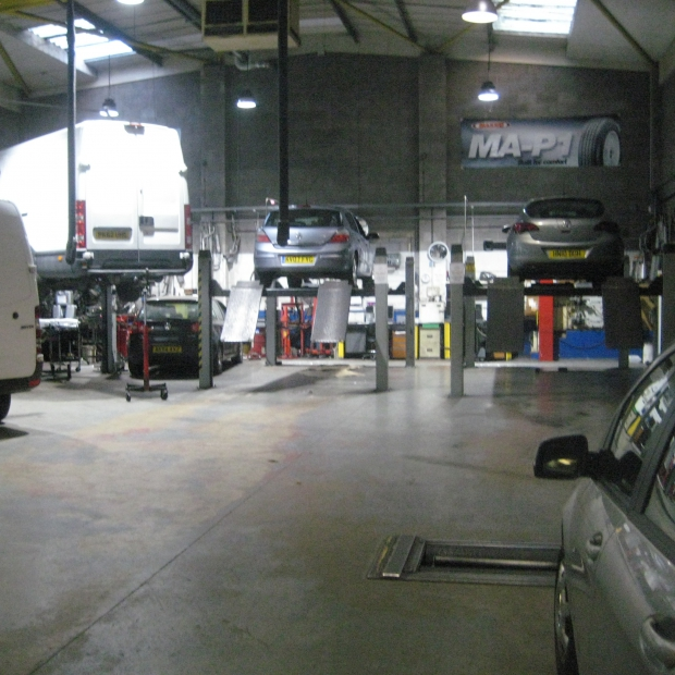 highly-successful-and-long-established-auto-services-garage-nw-london